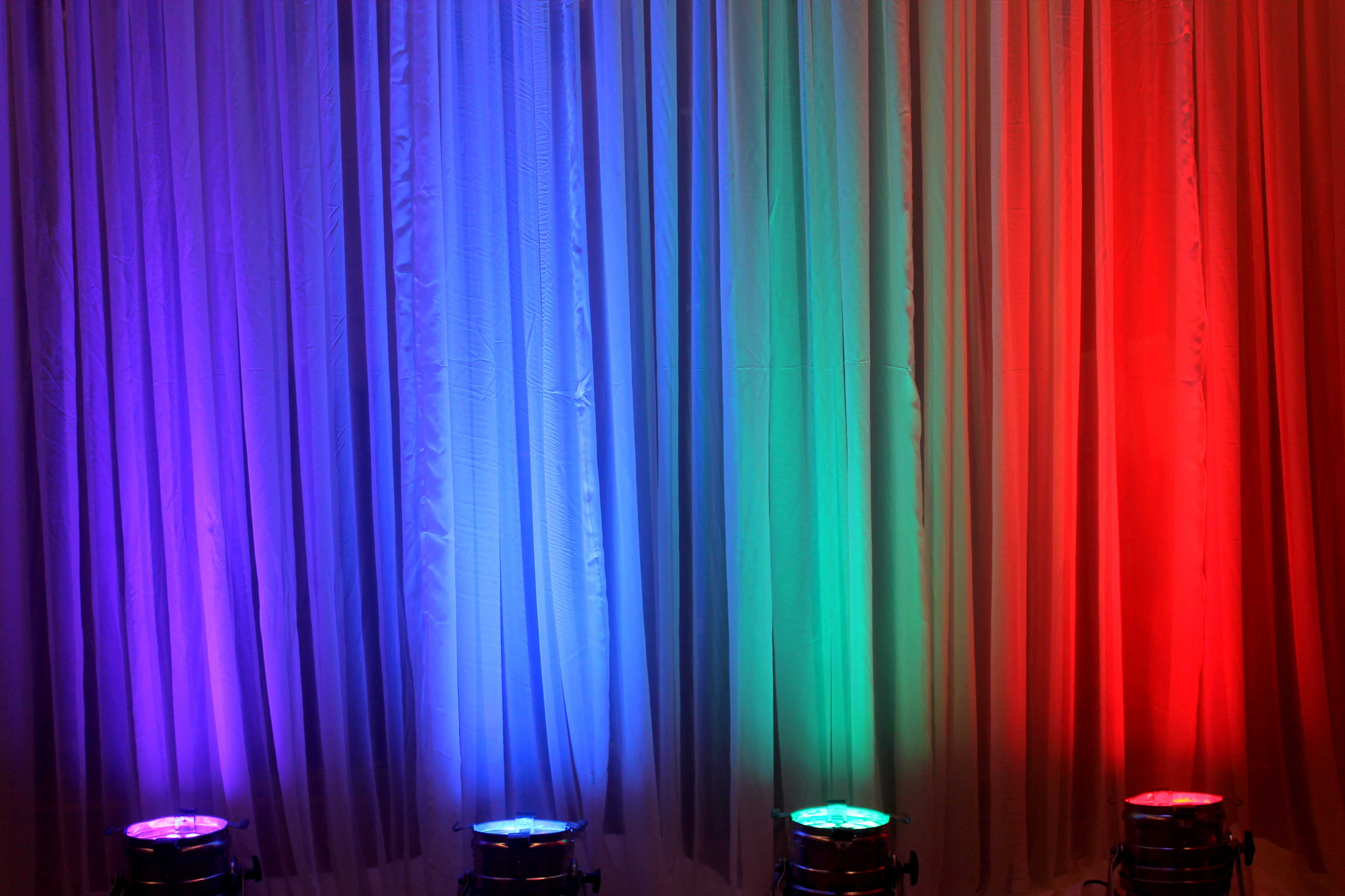 Verhuur verlichting feest   Trouwfeest DJ Huwelijk Videograaf
